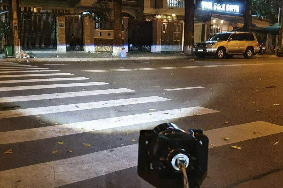 Bi đèn gầm xe ô tô Aozoom - Domax