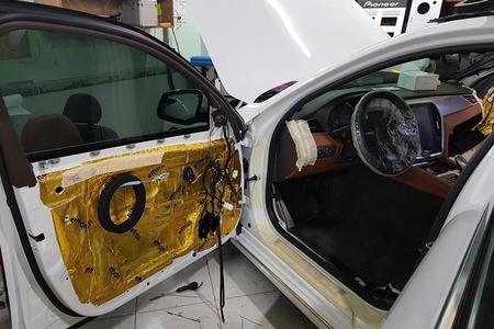Cách âm chống ồn 4 cánh cửa cho xe ô tô 4 chỗ