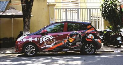Dán decal tem Hyundai i10 mẫu chim Samurai siêu đẹp