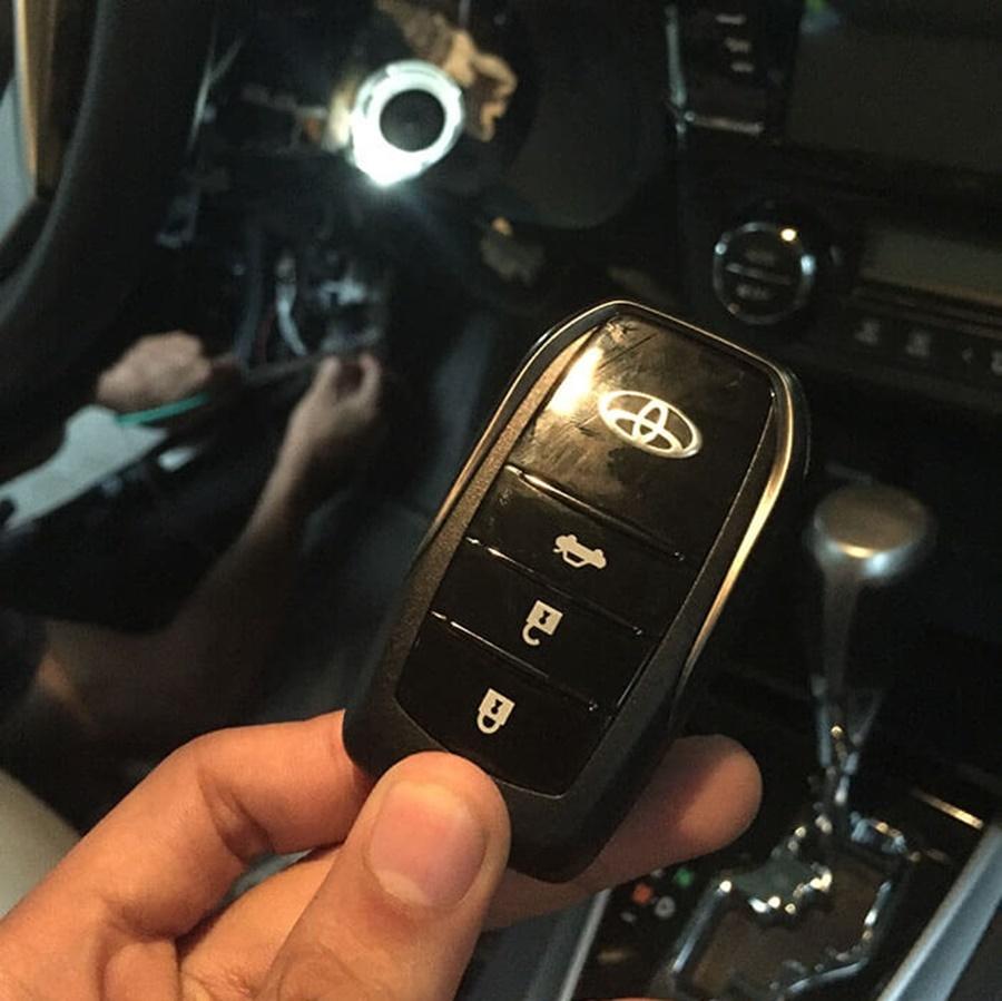 Độ Khóa Thông Minh Ô tô Karpro | Smartkey cho xe Toyota
