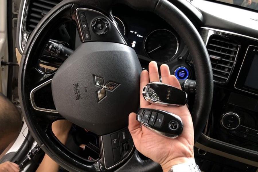 Độ chìa khóa thông minh Smartkey Karpro Cho xe Xpander