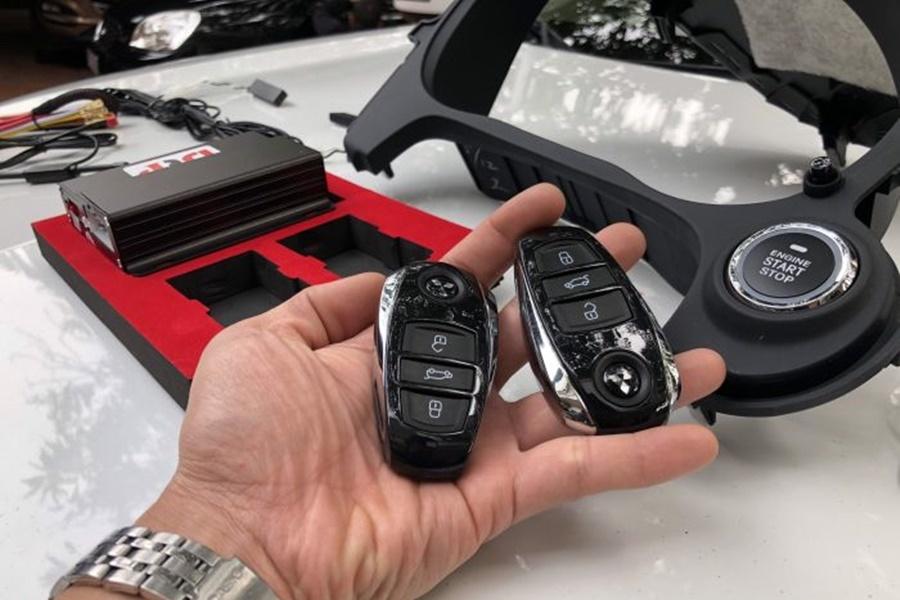 Độ Smartkey xe Mitsubishi Outlander