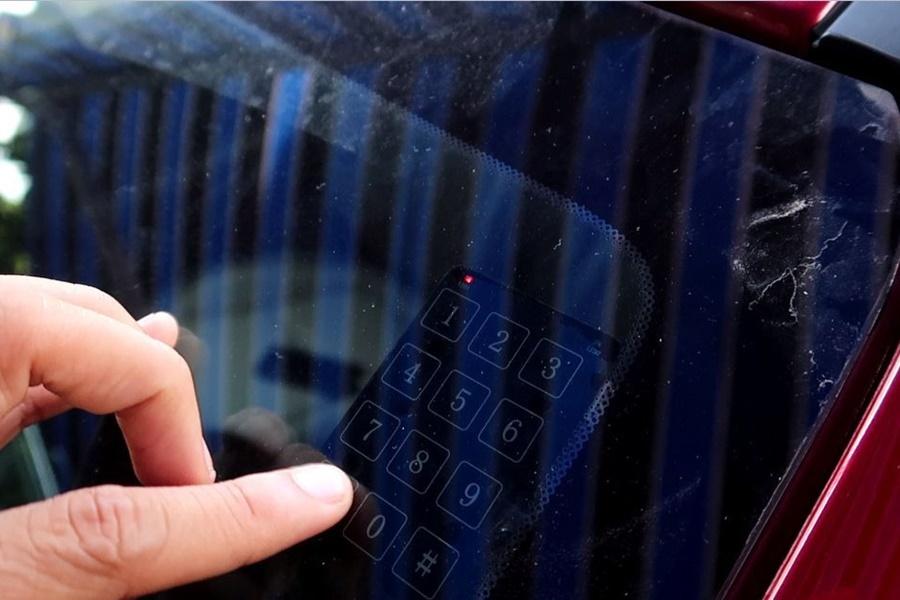Mở cửa bằng bảng mật khẩu