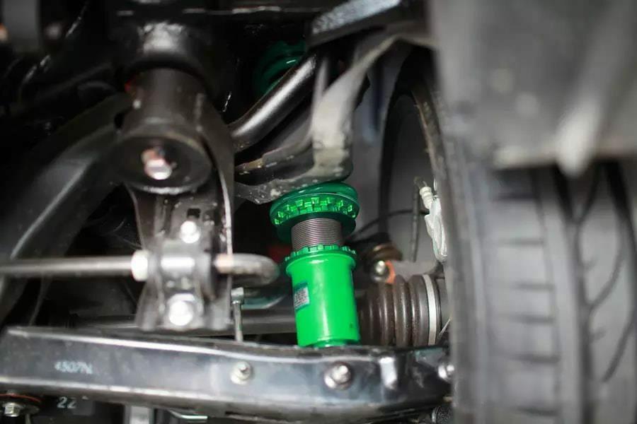 Giảm xóc Toyota Hilux Damper Sport - Hình 2