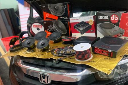 Honda Civic 2020 nâng cấp hệ thống 6 loa Hertz Ý - 1 sub điện DB Drive Mỹ