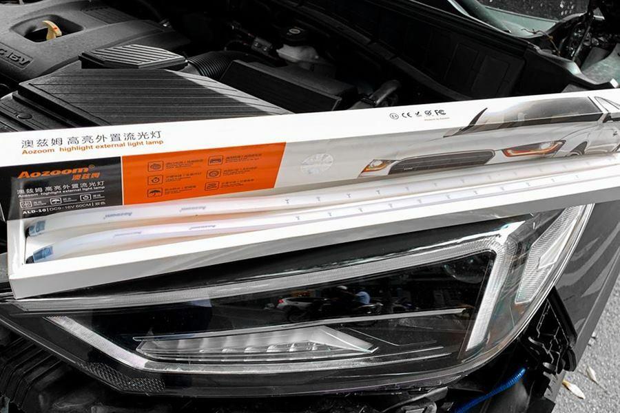 Led chạy silicon Aozoom cho tất cả các dòng xe ô tô tại TPHCM