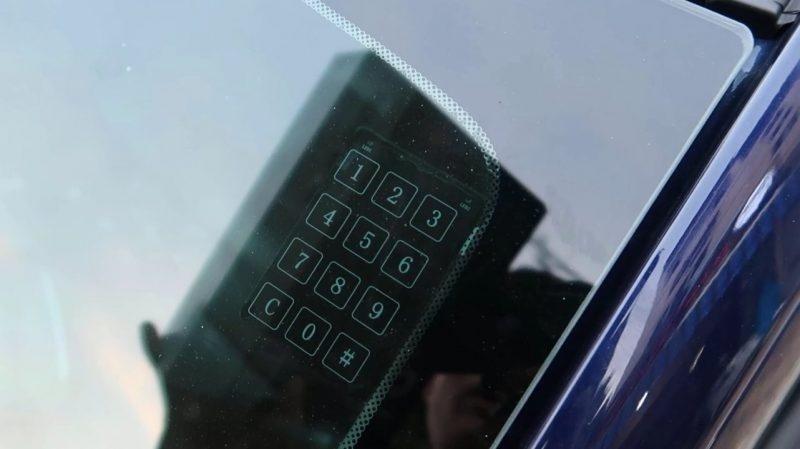 Mở cửa thông minh bằng mật khẩu 6 ký tự