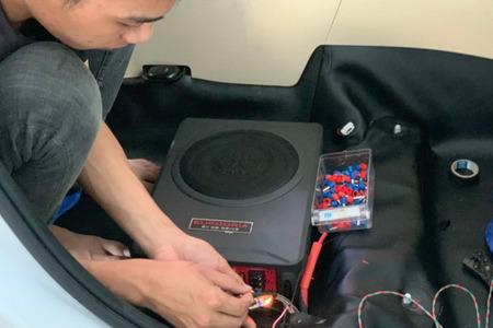 Sub điện gầm ghế DB ESP8 của Mỹ - Hình 5