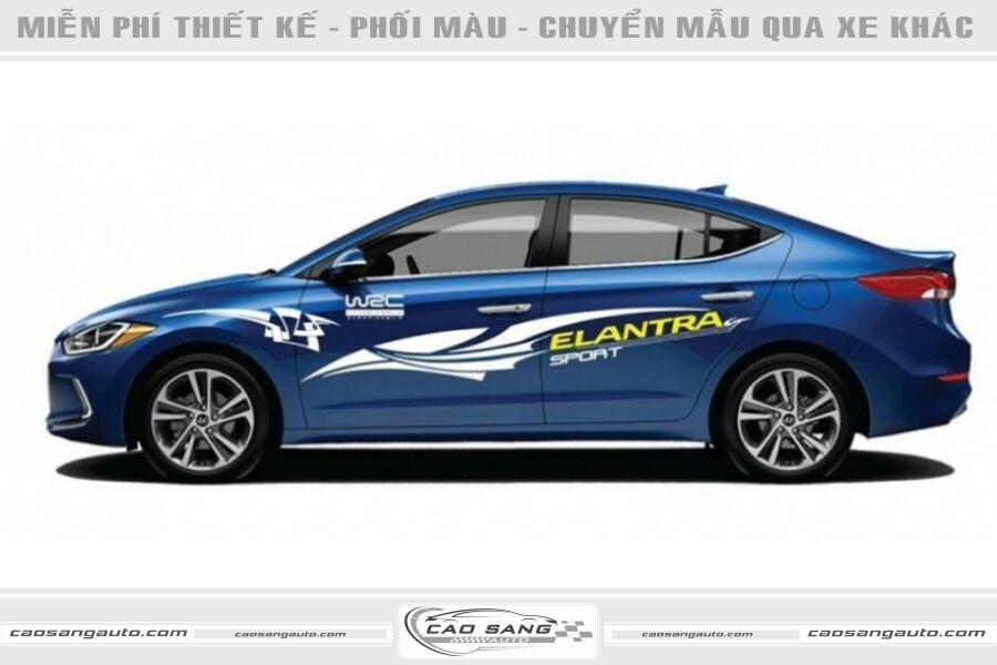 Tem xe Elantra xanh trắng