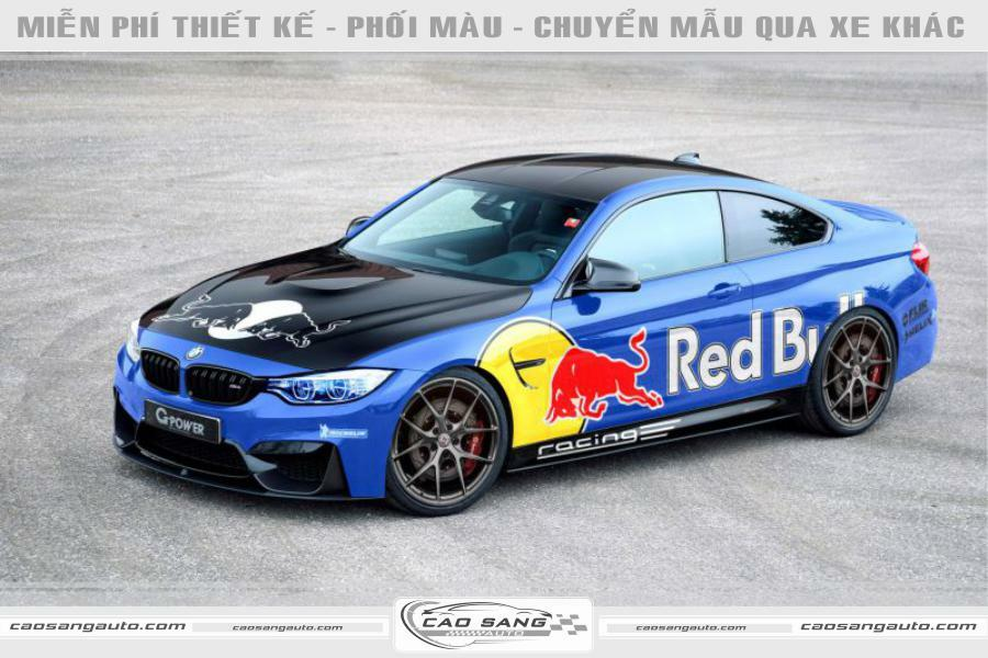 Tem xe BMW xanh Redbul