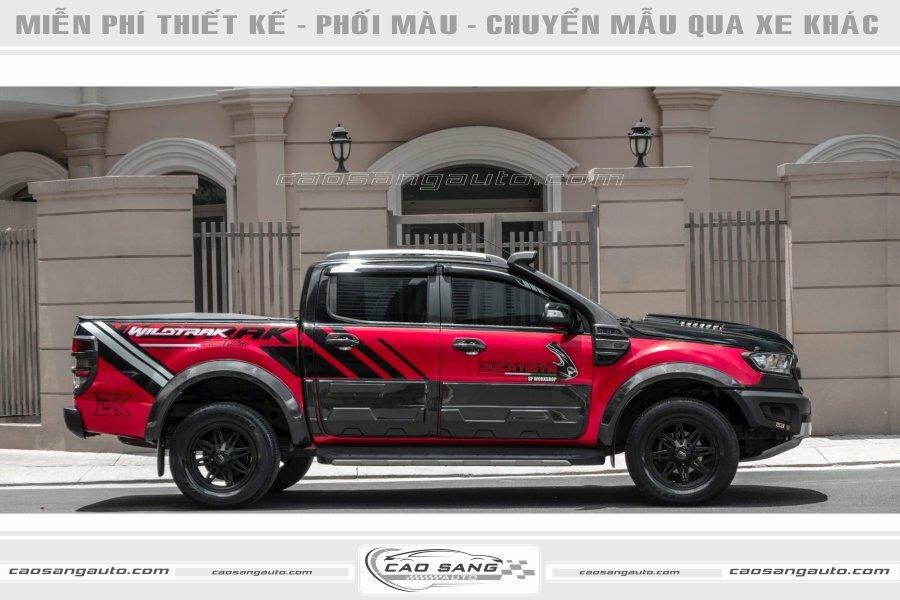 Tem xe Wild Track đỏ đen đẹp