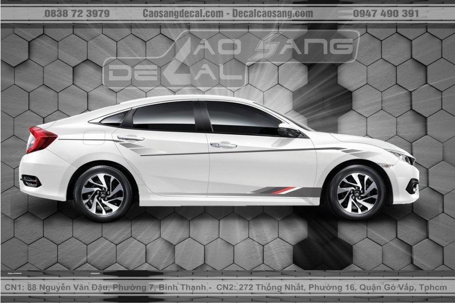 Tem xe Honda Civic trắng đen