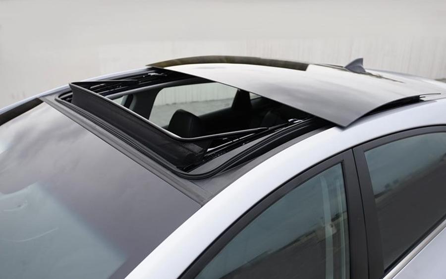 [Tư Vấn] Dán phim cách nhiệt chống nóng cửa sổ trời panorama